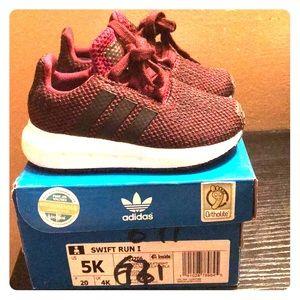 Adidas Swift Run sneakers (Bergundy)